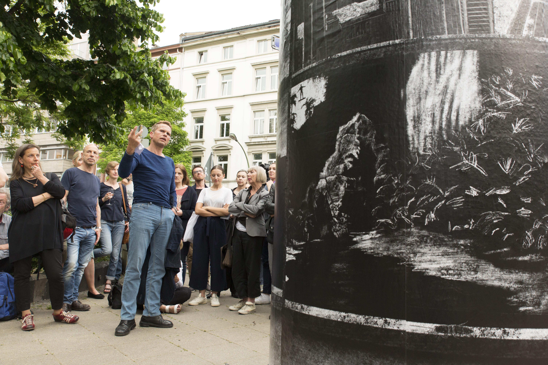 DREI SECHS NULL° at Frankfurter KunstSäule. Photo: Roland Wengenmayr